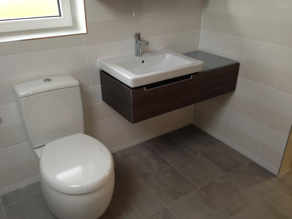 Example Fitted Bathroom #12